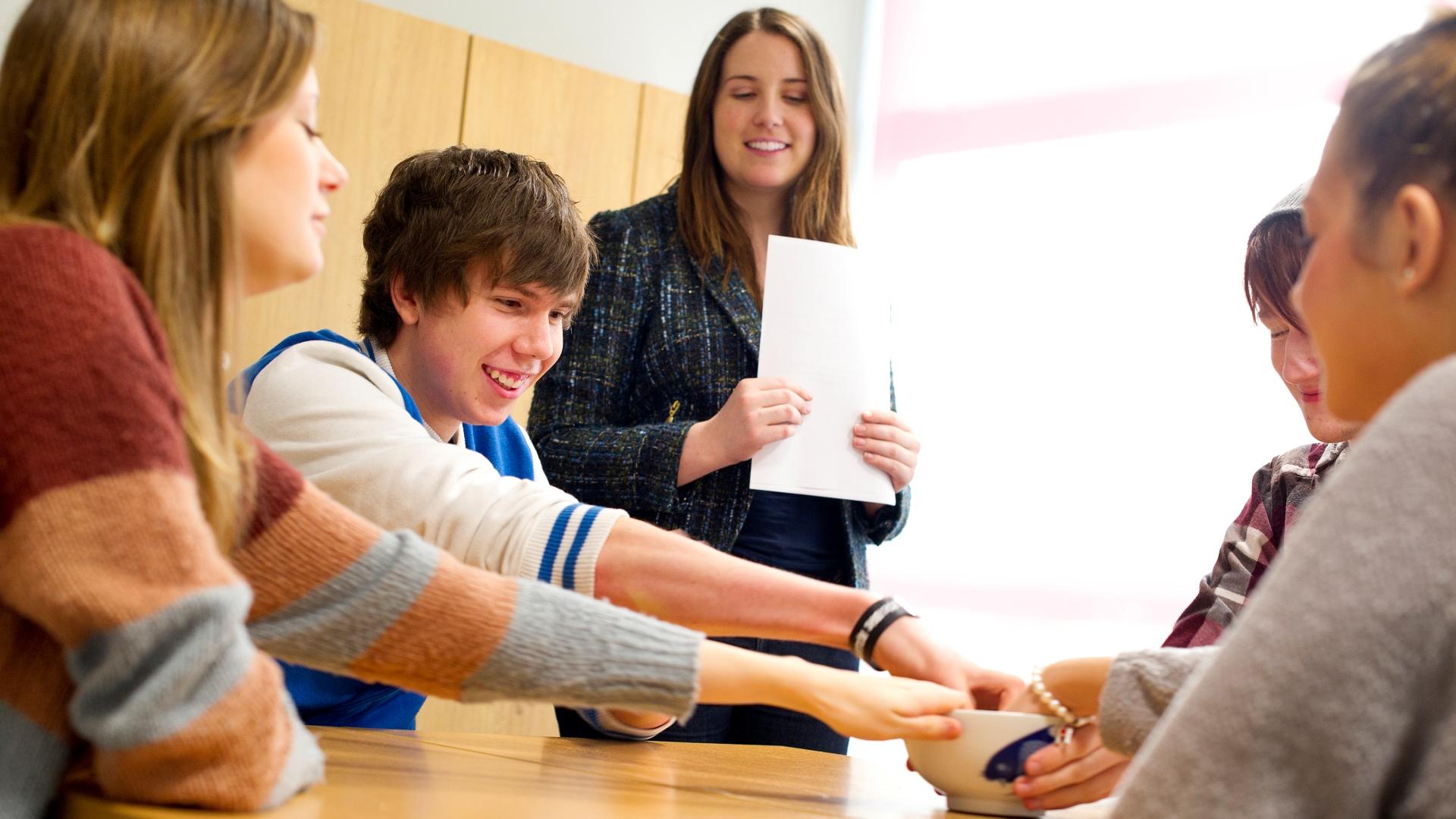 3 formas de maximizar el poder de aprendizaje de los carteles educativos